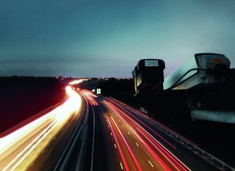 Blitzer Traffic Kamera Dunkel